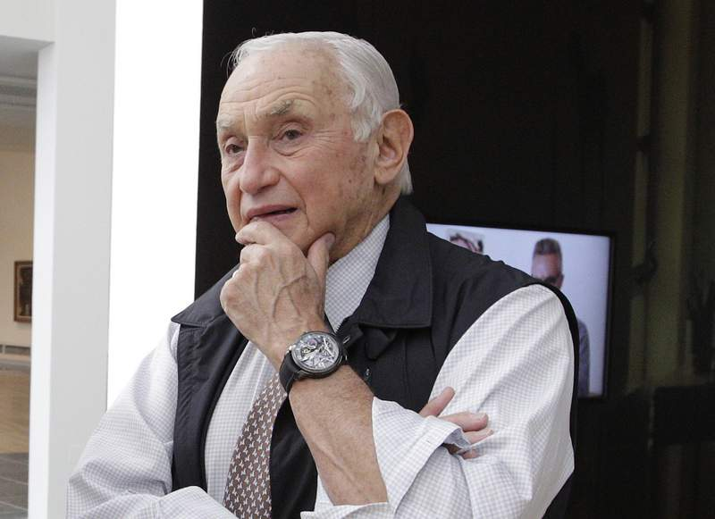 FILE - This Sept. 19, 2014 file photo shows retail mogul Leslie Wexner, at the Wexner Center for the Arts in Columbus, Ohio.  Wexner is severing his last ties with the retail empire that he founded in 1963. L Brands, which operates Victorias Secret and Bath & Body Works, said the 83 year-old billionaire, along with his wife Abigail, won't stand for reelection to the board of directors.  (AP Photo/Jay LaPrete, File)