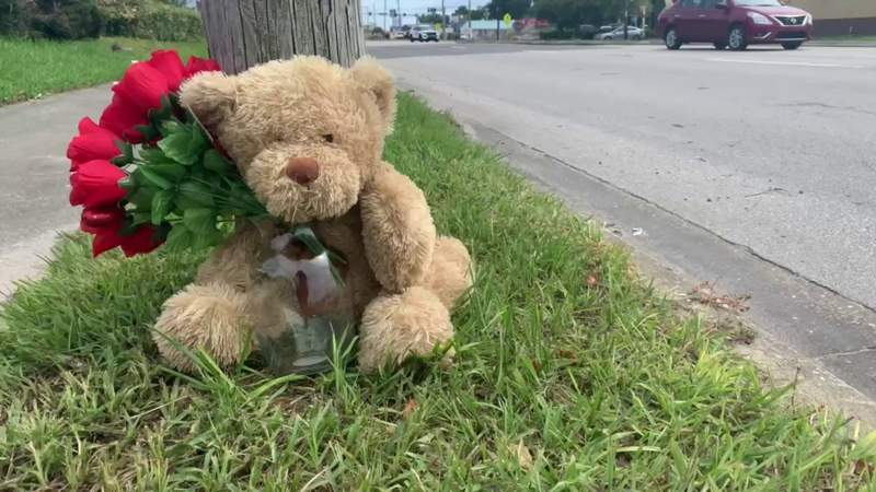 Crash that killed mother happened just block from home, daughter says