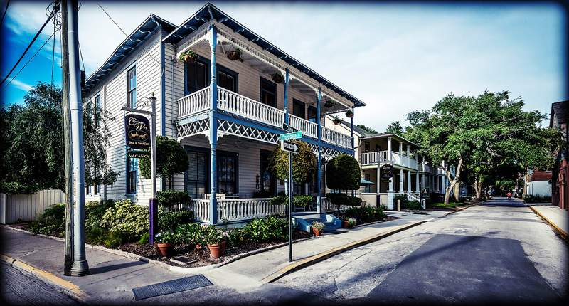 Facebook: Carriage Way Inn Bed and Breakfast